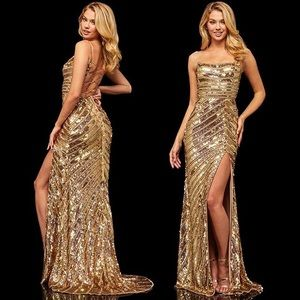 Sherri Hill Gold gown ✨